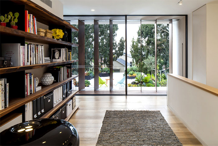 wooden-floors-shining-surfaces