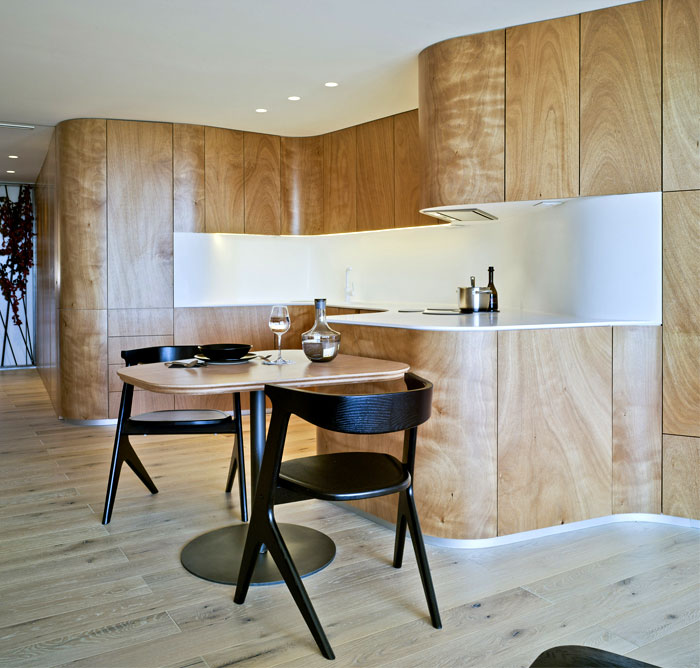 light-wood-curved-kitchen-1