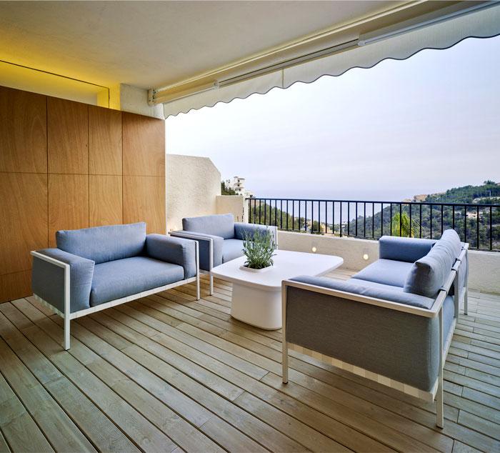 warm-caramel-wood-wall-outdoor