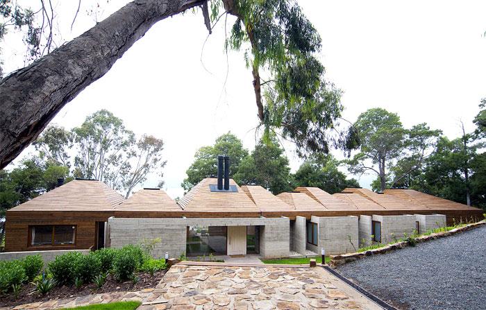 concrete-facade-villa