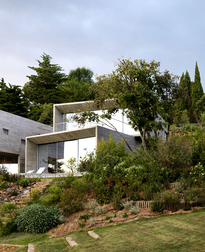 house-rectangular-cubes-modernistic-style