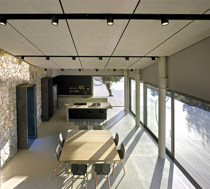 kitchen-furnishing-minimalistic-modern