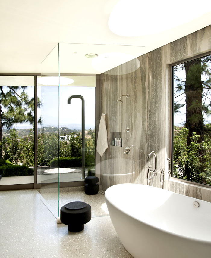 luxurious-full-light-bathroom-interior-1