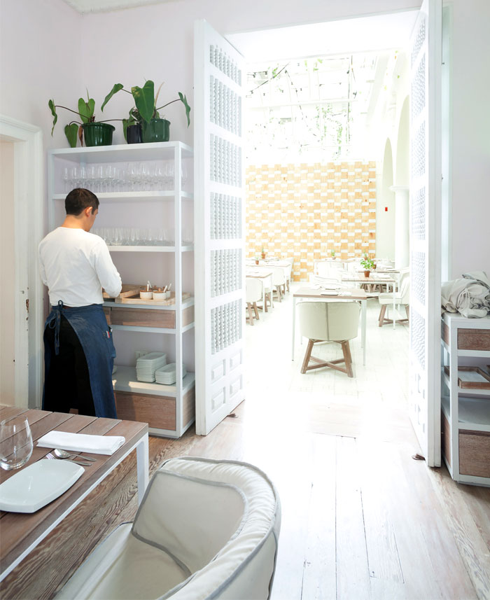 multifunctional-space-restaurant-interior-4