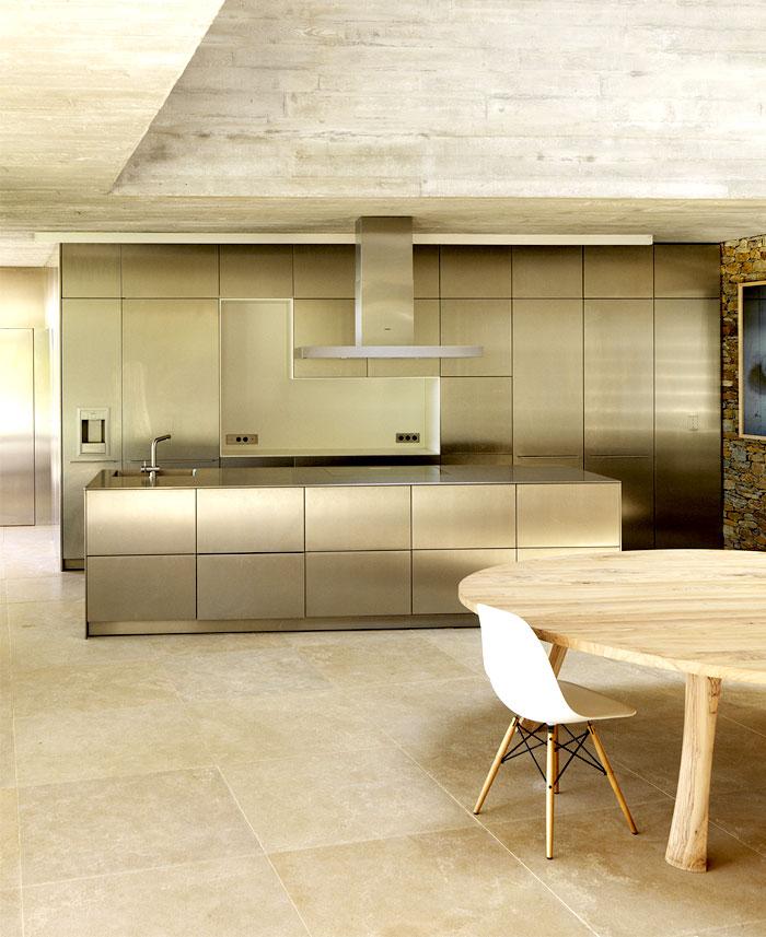 row-concrete-walls-stylish-kitchen-interior