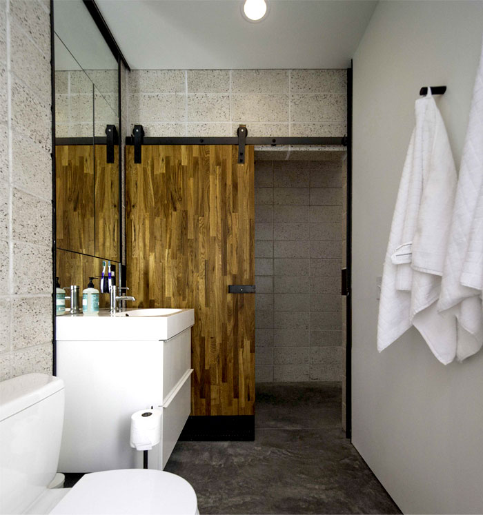bathroom-concrete-structures-wooden-details