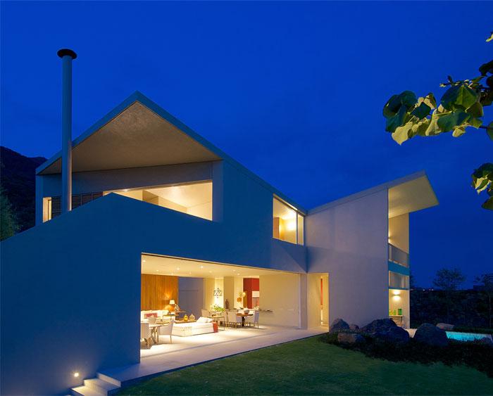 beautiful-lake-house-2