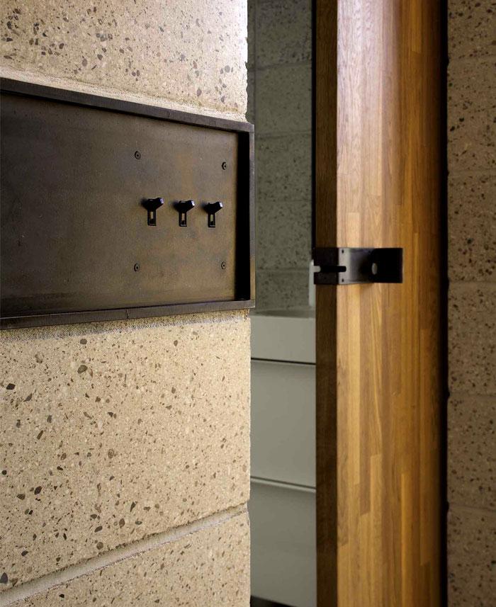 concrete-structures-wooden-details