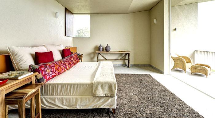 rustic-elements-bedroom-decor