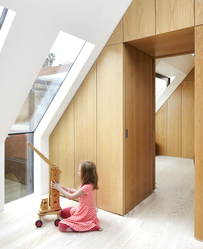 london-suburban-house-3