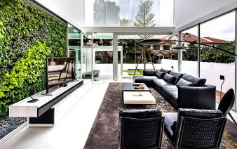 glass house 338x212