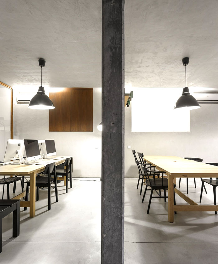 modern-office-very-unconventional-artistic-space-16