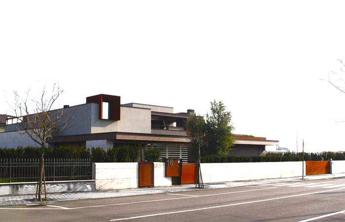refreshing-untypical-house-suburban-surrounding-16