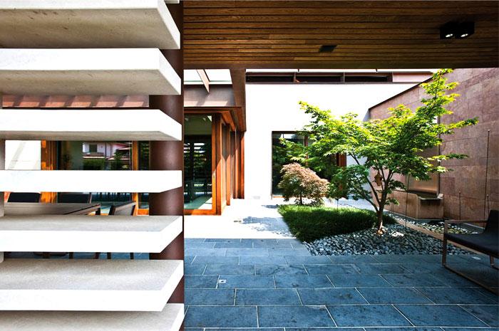 refreshing-untypical-house-suburban-surrounding-4