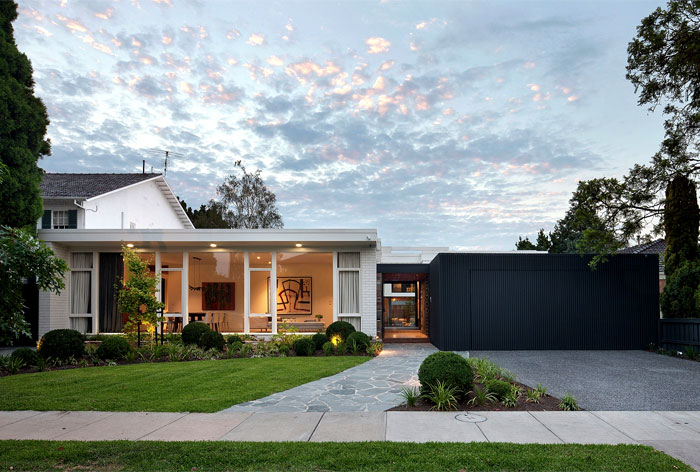 contemporary house located australia 14