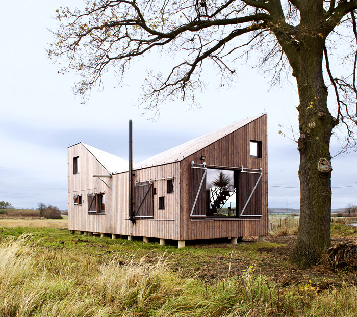 contemporary-wooden-house-zilvar-11
