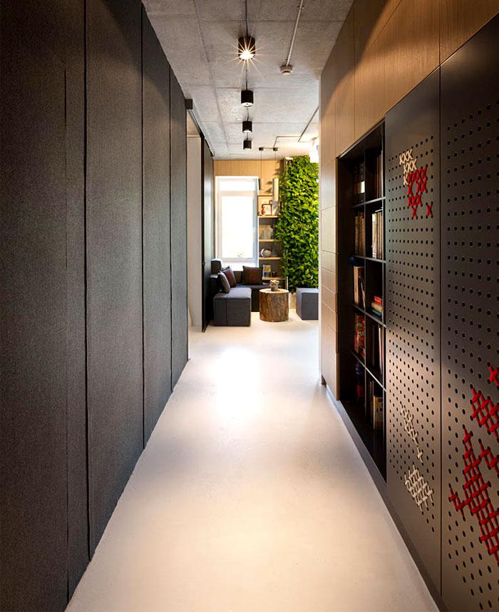 modern-office-located-kiev-14