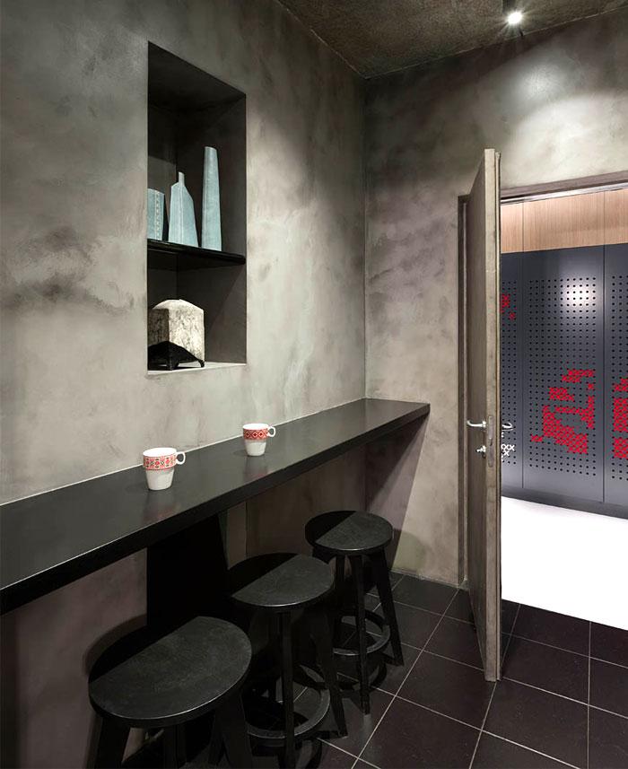 modern-office-located-kiev-6