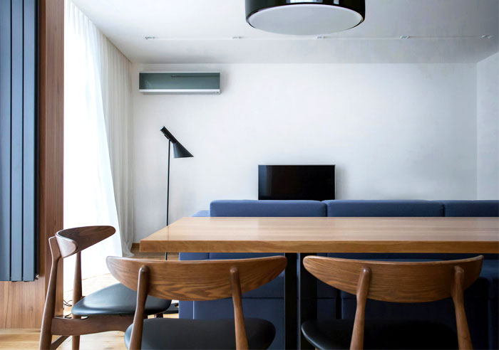 functional-stylish-apartment-located-kiev-8
