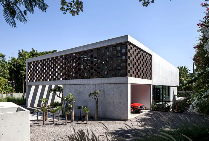 israeli-studio-pitsou-kedem-corten-house-2