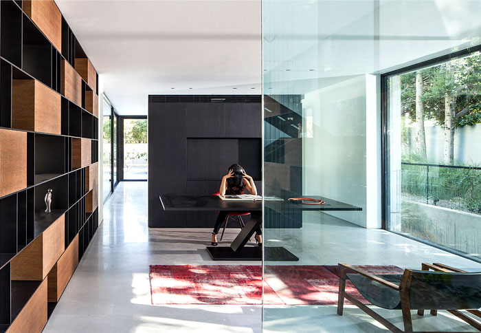 israeli-studio-pitsou-kedem-corten-house-5