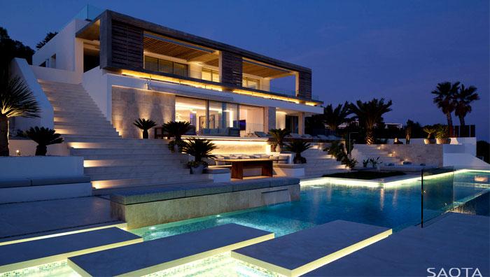 three-level-spanish-style-house-12