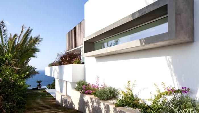 three-level-spanish-style-house-14