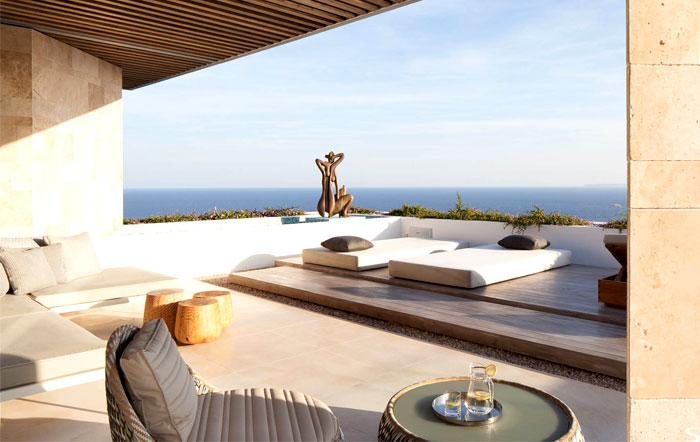 three-level-spanish-style-house-2