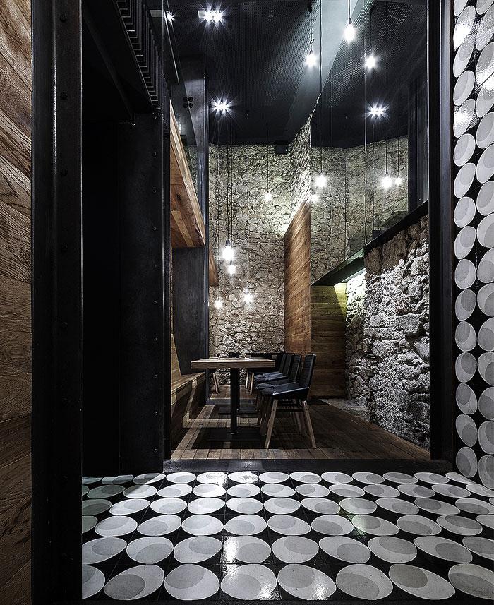 alma-negra-wine-restaurant-9