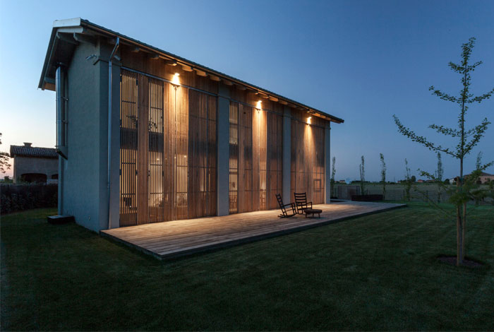 renewed-barn-house-italy-19