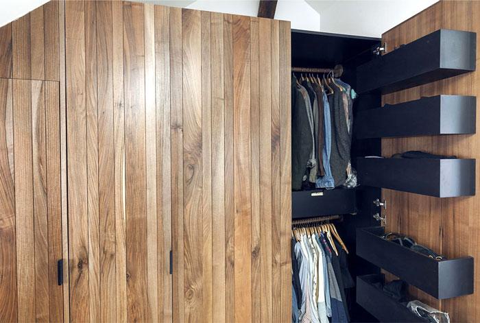 loft-paris-exposed-wooden-beams-13
