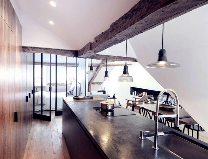 loft-paris-exposed-wooden-beams-7