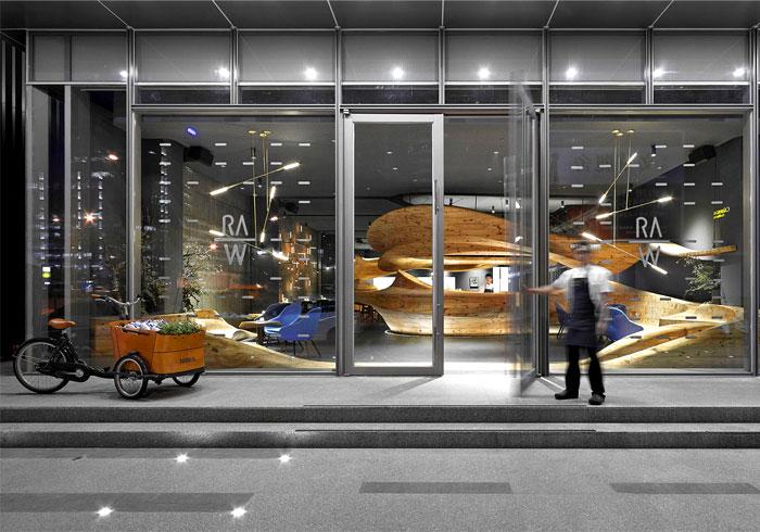 organically sculptured wooden decor raw restaurant 3