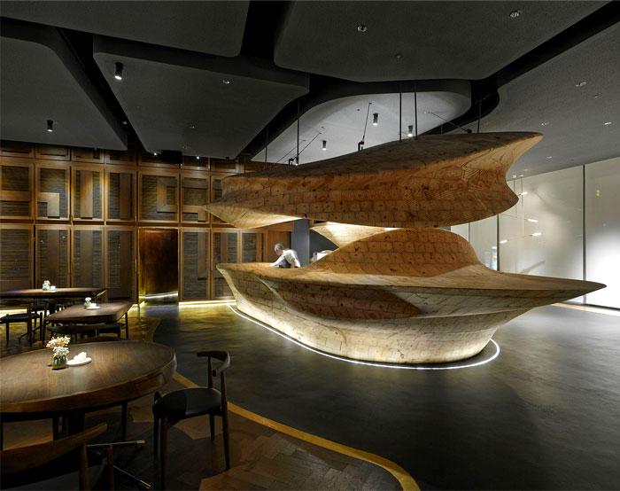 organically sculptured wooden decor raw restaurant 5