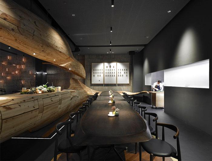 organically sculptured wooden decor raw restaurant 6