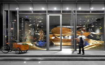 wooden decor raw restaurant 338x212