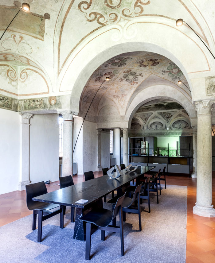 trendy-modernism-palazzo-ducale-mantova-13