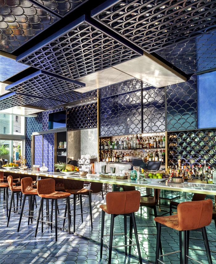 blue-wave-cocktail-bar-barcelona-5