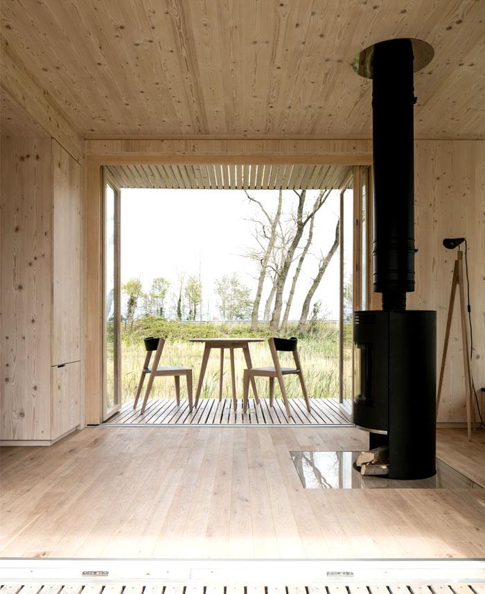 sustainable-eco-shelter-2