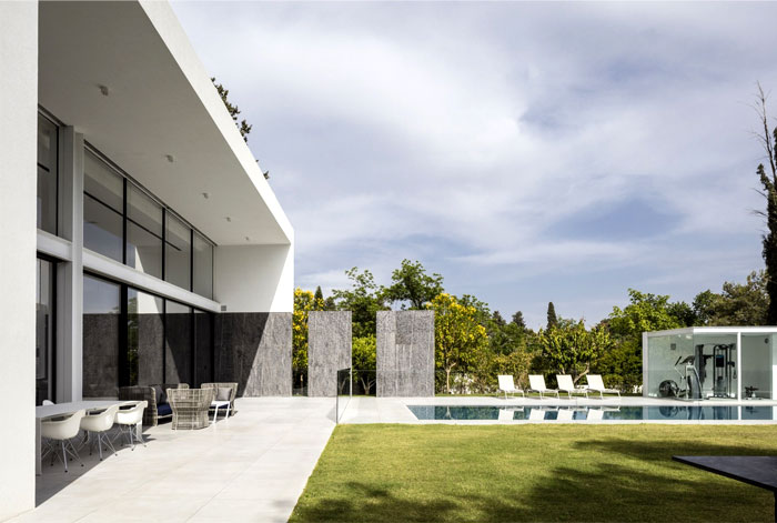 f house pitsou kedem architects 17
