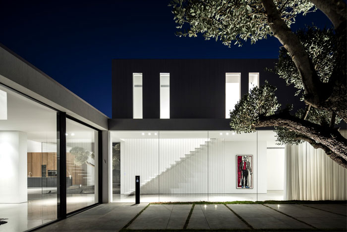 f house pitsou kedem architects 4