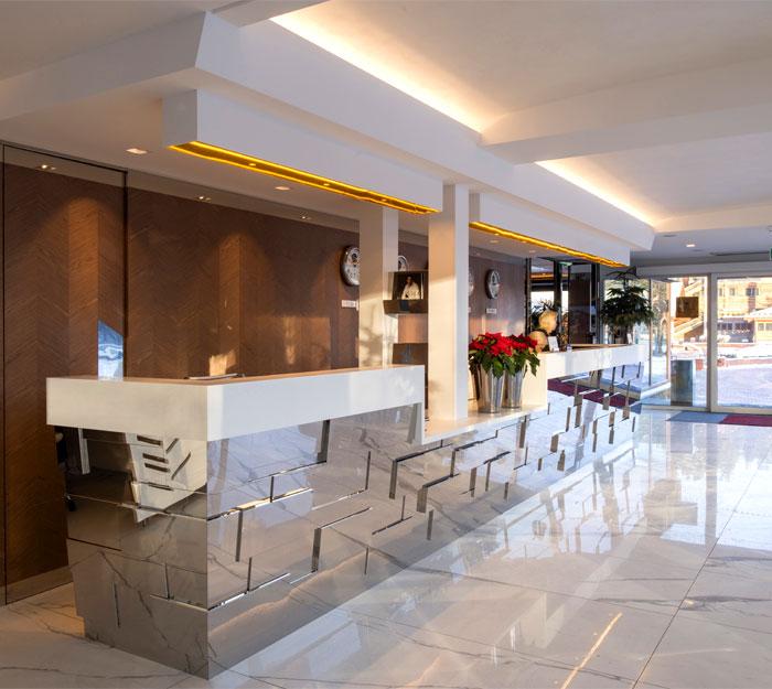 lukas gadeikis lobby bar reception luxurious resort 9