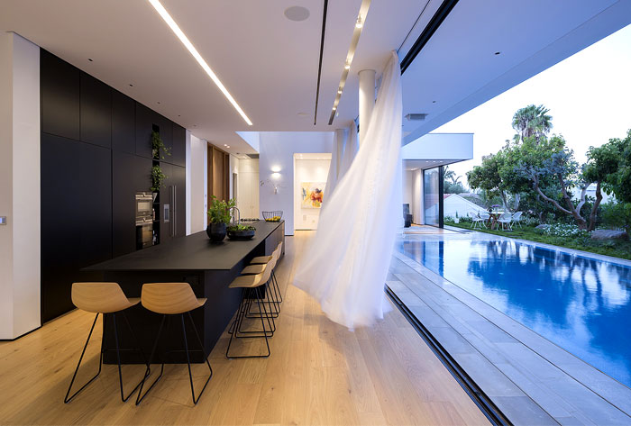 contemporary L shaped house 1