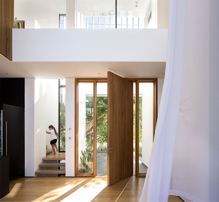 contemporary L shaped house 12