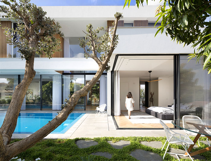contemporary L shaped house 15