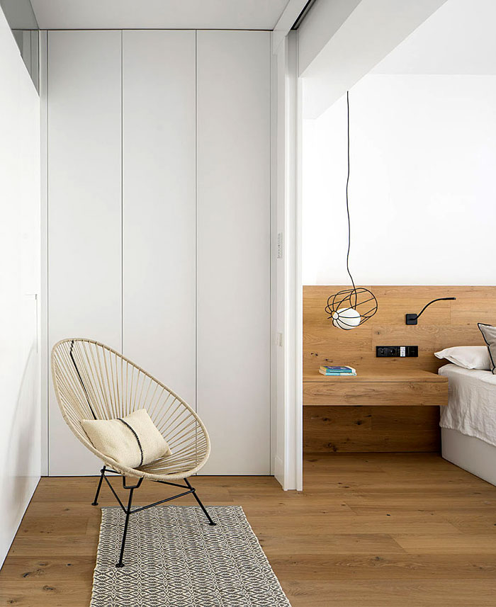 urban white apartment barcelona susanna cots 11