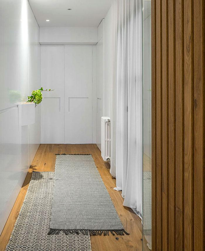 urban white apartment barcelona susanna cots 13
