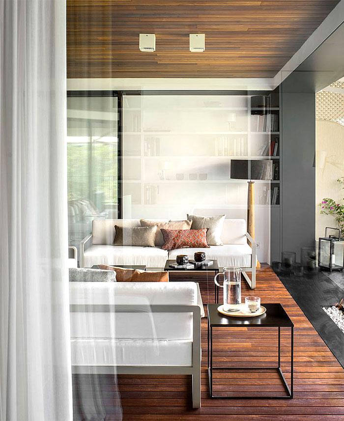 urban white apartment barcelona susanna cots 27