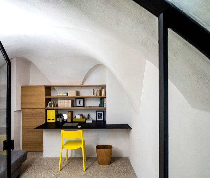 modern cave dwelling pitsou kedem 2