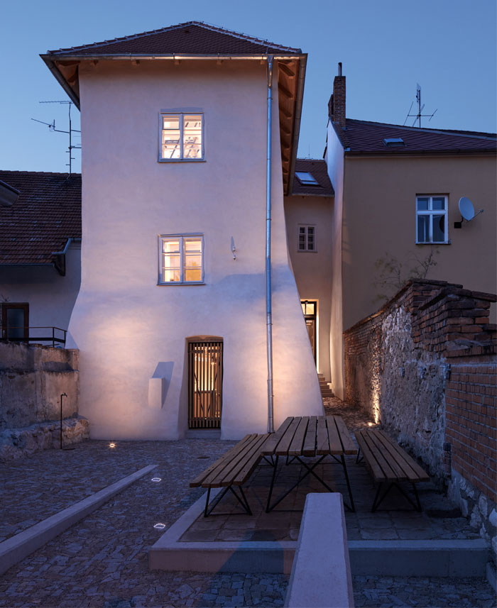 ora architects stajnhause guesthouse 38 1